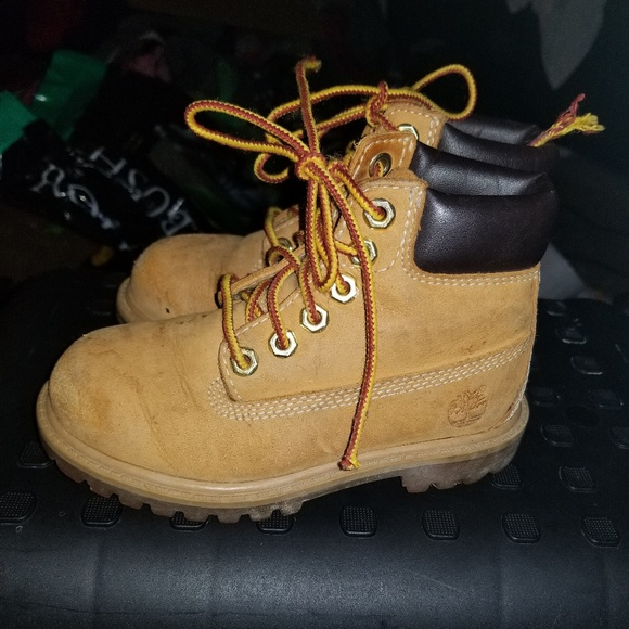 Kids  Genuine Timberland boots 9.5. M 5bf497df12cd4a87212c3fc5 929577194868